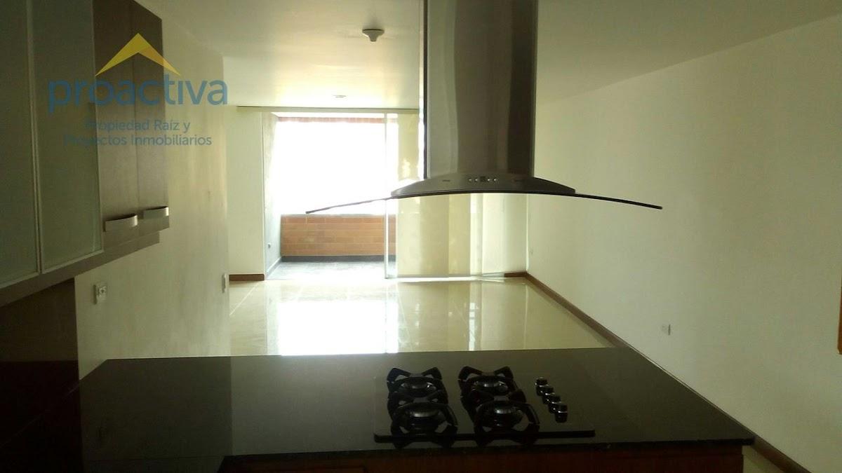 apartamento en arriendo el esmeraldal 497-7380