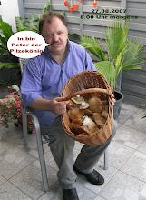 Photo: Jede Menge Steinpilze fand Peter am 27.08.2007 im Hitzhofener Wald... ich denke die werden uns gut munden.