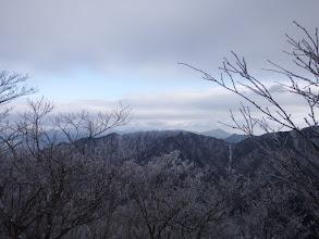 黒尾山方面(右奥に竜ヶ岳)