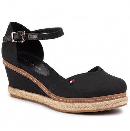 Closed Toe Mid Wedges, black