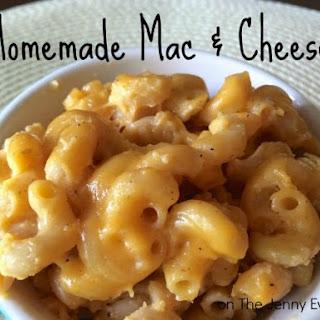 Yummy Gooey Homemade Mac and Cheese