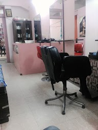 Naaz Beauty Salon photo 1