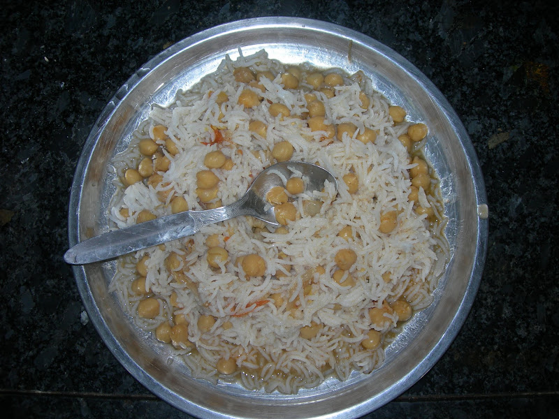 """Photo: And Ready to Eat """"Choley Chaawal"""" from Delhi Self Made .. Yummy..!!"""