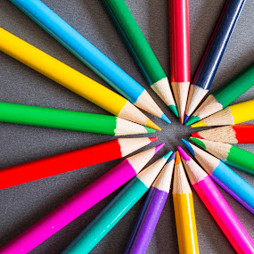 Circle of Colour by Sarah Tregear - Artistic Objects Education Objects ( purple, coloured, green, yellow, circle, colours, shapes, pencil, colour, red, blue, pink, pencils,  )