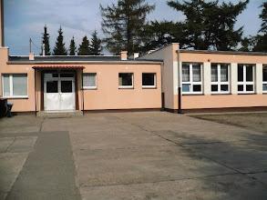 Photo: wejście do szkoły od boiska