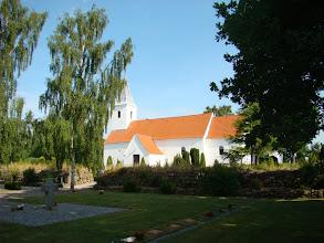 Photo: Beder kirke og kirkegård