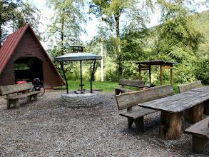 Photo: bis hier hätte ich auch noch fahren können, eine ideale Hütte mit Grillplatz, Holz ist auch da