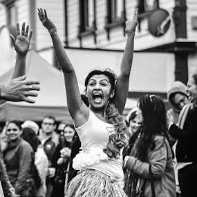 Yeah!! by Graeme Carlisle - People Musicians & Entertainers ( street, performer, entertainment )