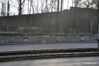 Photo: Messpunkt-Markierungen in der Pragstraße B 10