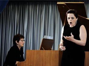 Photo: Anna Ryan beim Festkonzert der Gottlob Frick-Gesellschaft in Mühlacker/Ölbronn (14.10.2012)