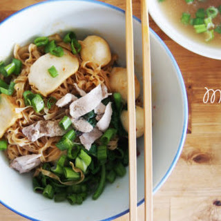 "Flat Egg Noodles with Fishballs ""Mee Pok Tah"" 鱼圆面薄干."