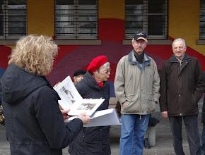 Photo: Interessante Geschichten vor dem Zentralschulhaus