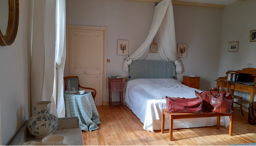 double romantic bedroom for 2 guests at le clos de la garenne 17700 puyravault