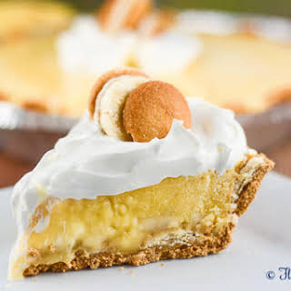 No Bake Banana Pudding Cream Pie.