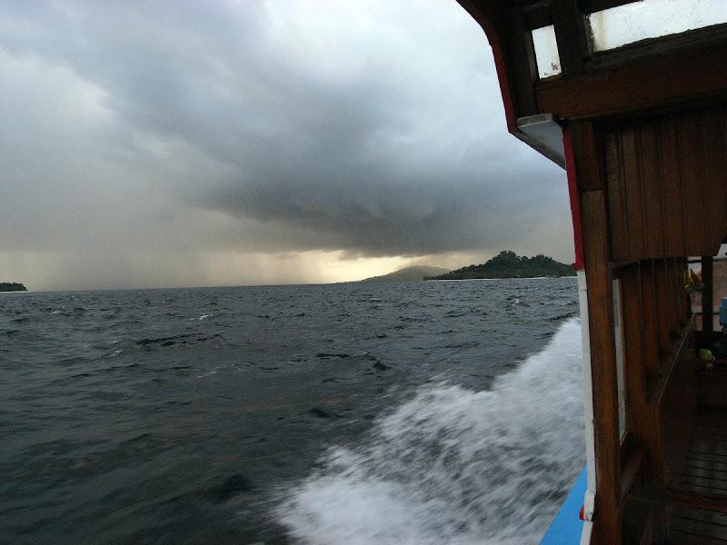 Temporale tropicale in navigazione .... di freesea60