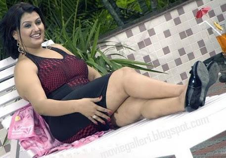 Sona thunder thighs, Sona Legs, Sona Aunty Photos