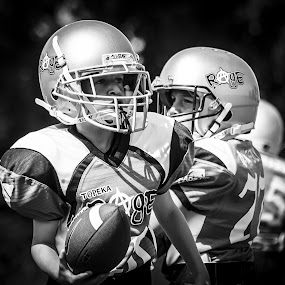 by Matthew Westfall - Sports & Fitness American and Canadian football ( twmf )