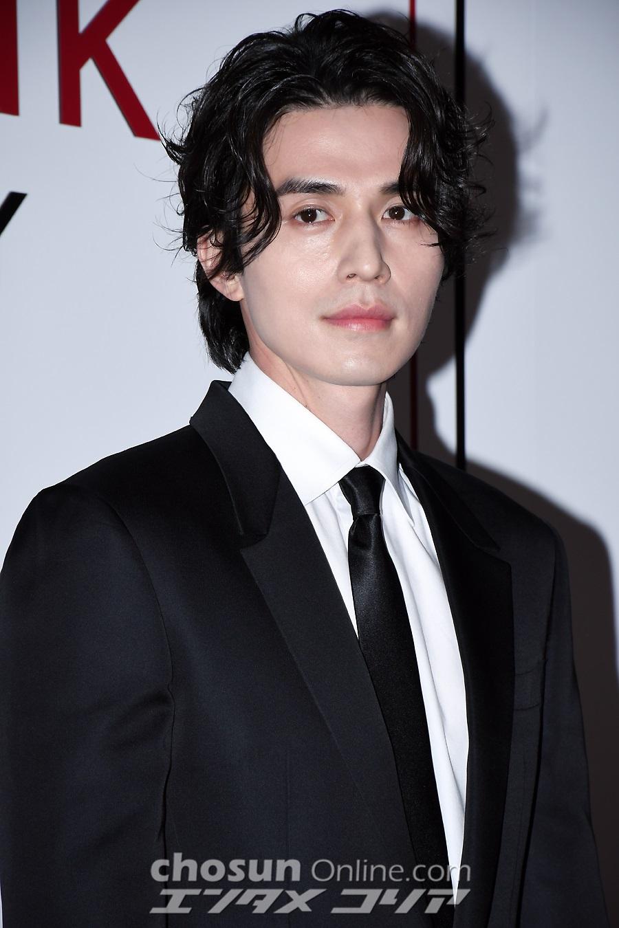 lee dong wook visuals 2019 4