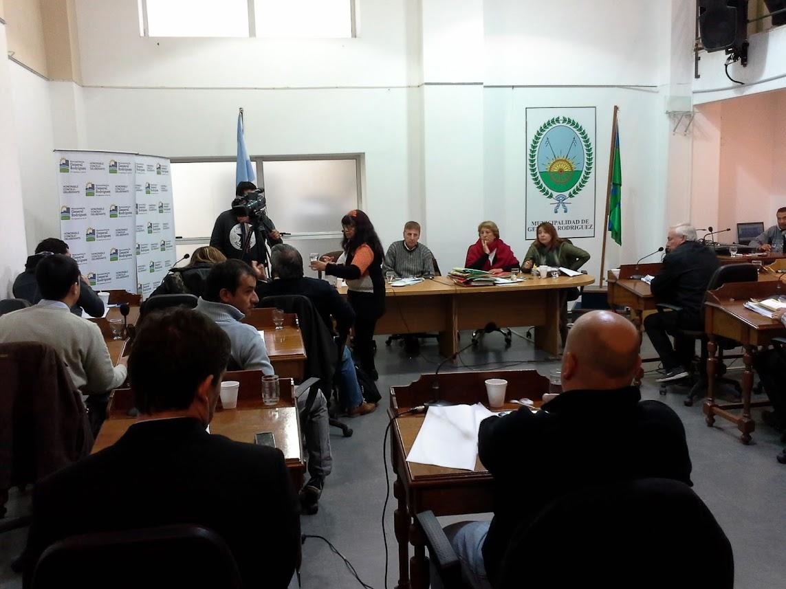 En dos sesiones con polémica, Cambiemos logró aprobar sus propuestas, pero no evitó duras críticas