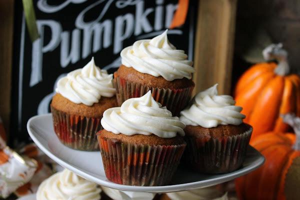 Robin's Moist And Yummy Pumpkin Cupcakes Recipe