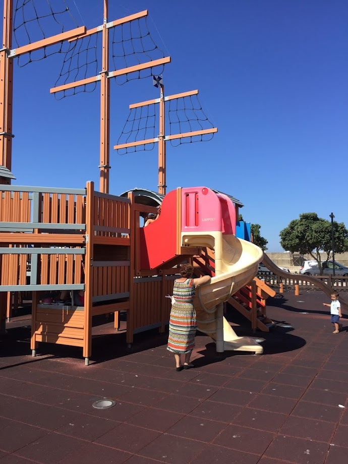 Foto Parque Infantil do Barco - Porto de Mar 2