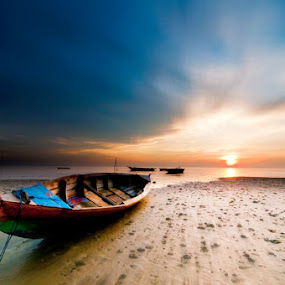 Waiting for  The Tide by Arief Wardhana - Transportation Boats