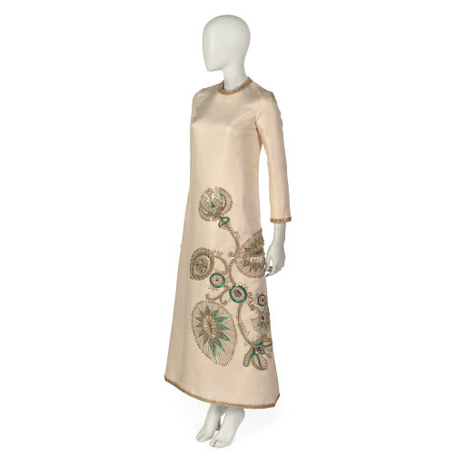 Dinner dress in off-white silk twill with floral embroidery of silk thread, sequins, beads and piping
