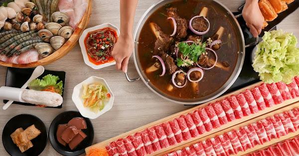 愛食鍋麻辣鴛鴦|99顆蛤仔啵啵雞10根新疆孜然羊大骨 最狂還要更狂的火鍋在這裡