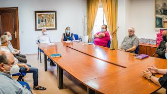 Reunión con los párrocos del municipio.