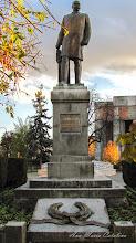 Photo: 2012.07.11 - Statuia lui Dr. Ioan Ratiu