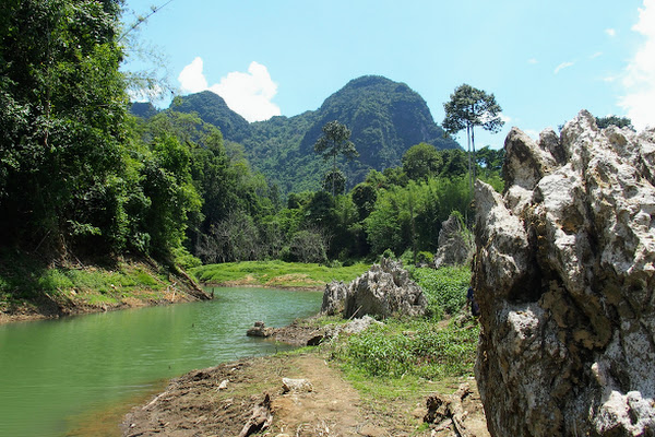 Follow the National Park trail along the Sok river