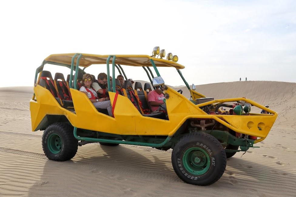 Ica, Huacachina, buggy