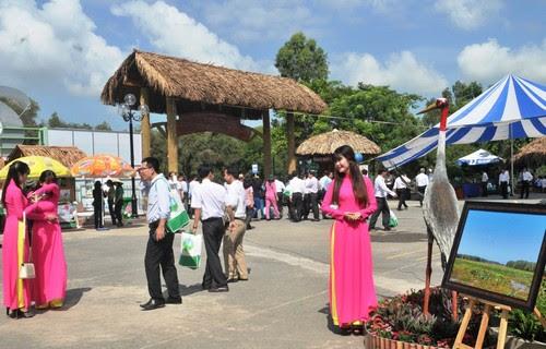 Vườn quốc gia Tràm Chim nhộn nhịp trong ngày hội du lịch - 2