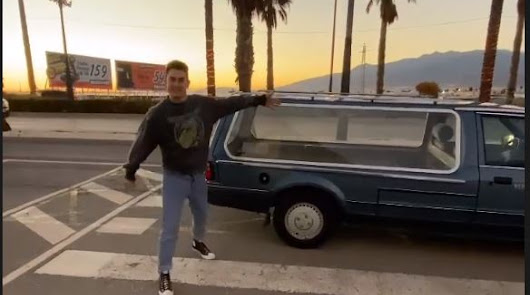 Un actor de La Casa de Papel viaja a Almería para hacer una compra muy extraña