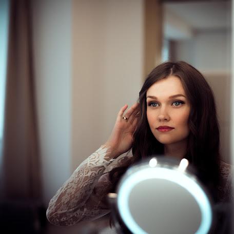 Wedding photographer Elina Kabakova (artvisionlv). Photo of 02.12.2017