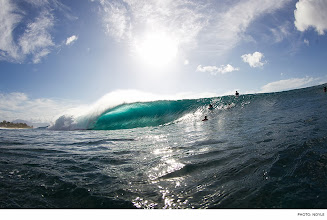Photo: Photo of the Day: Pipeline, Oahu. Photo: Noyle #Surfer #SurferPhotos