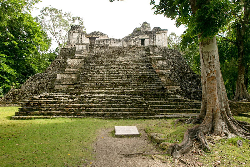 Edificio 6, also called the Building of the Lintels, inspired the Mayan name for Dzibanche in Mexico's Costa Maya region.