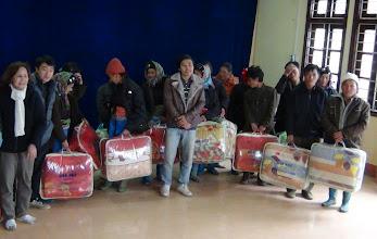 Photo: Hopetoday phát chăn (200 cái) cho ngườii  Dân Tộc  ơ Hai Xã A Lù và Ngải Thâu/Huyện Bát Sát/Lao Cai