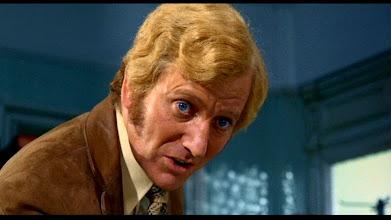 """Photo: Barry Foster como """"Rusk"""": um dos cabelos mais feios da filmografia do mestre?"""