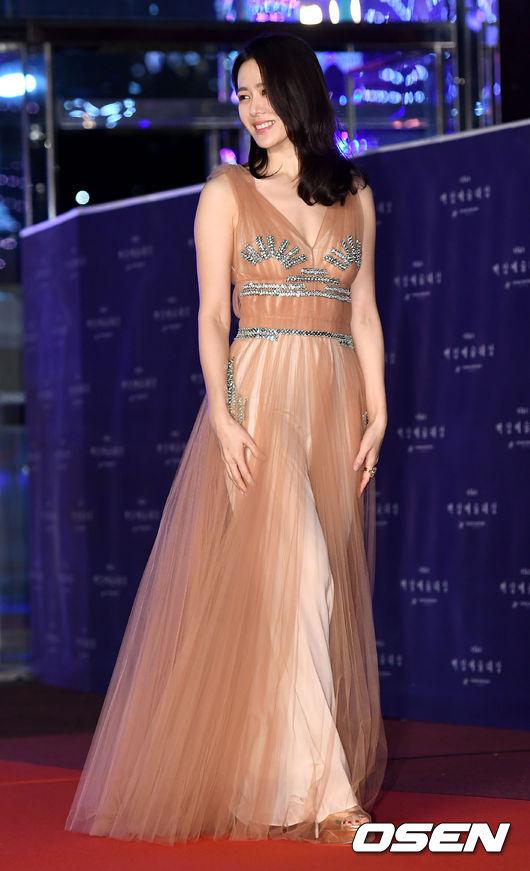 sonyejin gown 2