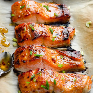 Broiled Salmon Fillet with Sweet Red Pepper Sauce