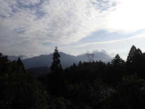 右から竜ヶ岳・静ヶ岳・銚子岳・藤原岳など