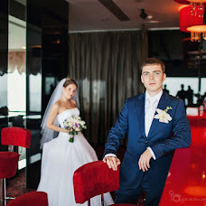 Wedding photographer Galina Berezhnaya (GalishkaYL). Photo of 12.09.2013