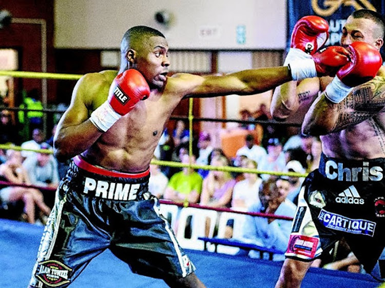 "Akani ""Prime"" Phuzi and Chris ""The Wolf"" Thompson in their topsy-turvy bout in Randburg where Phuzi won on points over six rounds."