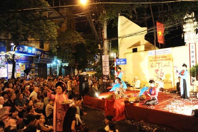 La Musique Vietnamienne Traditionnelle Gratuite à Hanoi