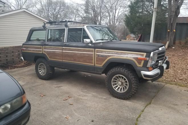 1987 Jeep Grand Wagoneer Hire SC