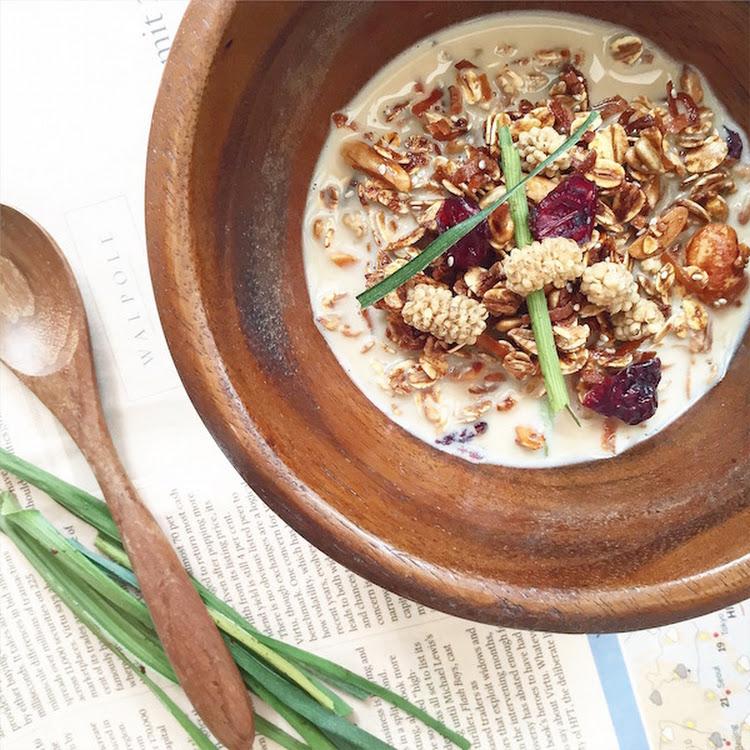 Salted Gula Melaka Granola (250g) by Healthy Grazing Sdn Bhd