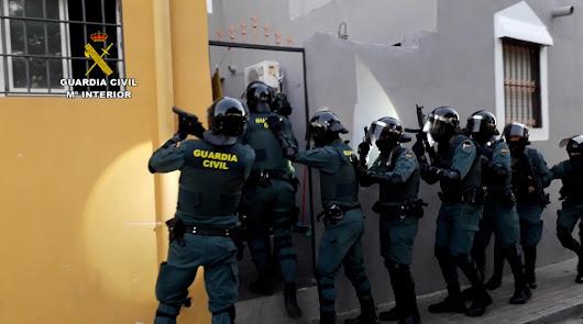 Armas y un punto de venta de cocaína: operación de la Guardia Civil en Zurgena