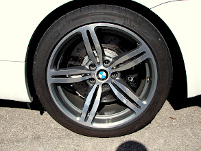 Photo: M6, detalle de las ruedacas traseras: 285/35R19