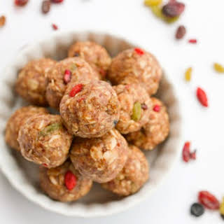 Superfood Energy Balls + Detox Recipes (Giveaway).